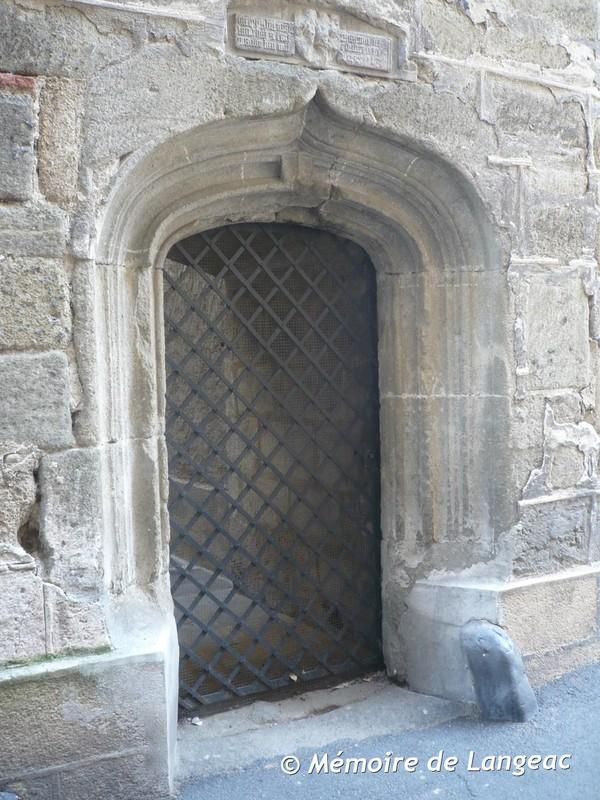 La porte de la cour int rieure du jacquemart for Porte de cour