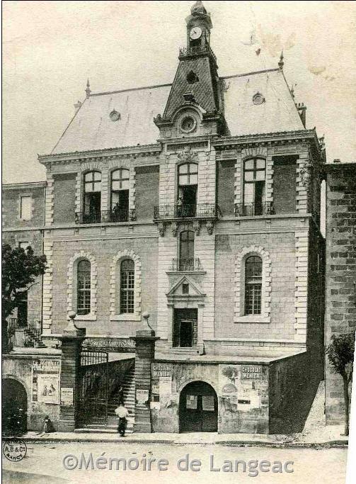 L 39 h tel de ville autrefois couvent de ste marie for Interieur d un couvent streaming